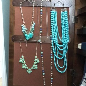 Lot of six necklaces!